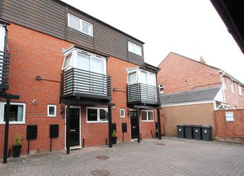 Thumbnail Room to rent in Rooms To Rent, 5 Richard Ford Court, Exeter