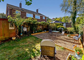 Holland Close, Hayes, Bromley BR2. 2 bed maisonette