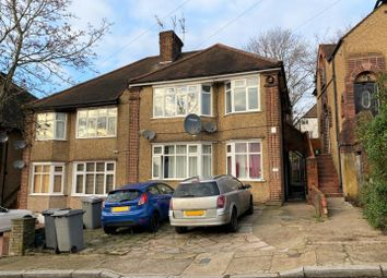 3 bed property to rent in Ash Tree Dell, London NW9
