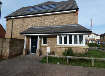 3 bed property to rent in Walker Place, Old Woking GU229Fa GU22