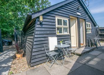 1 bed barn conversion to rent in Little Foxes, Goose Green, Hoddesdon EN11