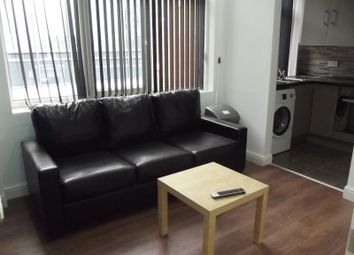 Thumbnail 3 bedroom flat to rent in Mount Street, Preston