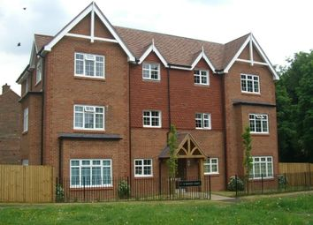 Thumbnail 1 bedroom flat to rent in Chipstead Road, Banstead