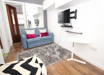 Thumbnail 1 bed flat to rent in St. James's Road, Croydon