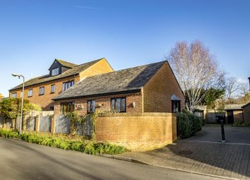 Thumbnail 2 bed flat to rent in Queens Court, Goring On Thames, Reading