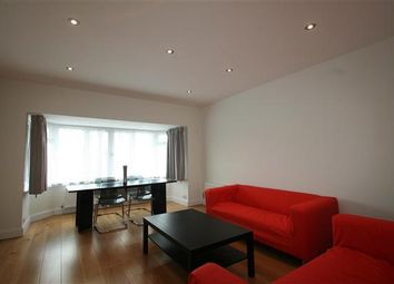 Thumbnail 3 bed flat to rent in Finchley Road NW11, Golders Green