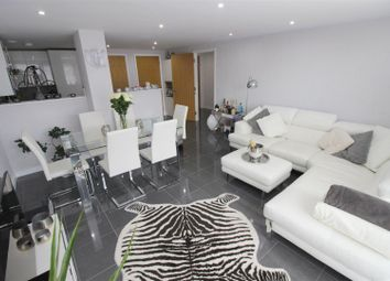 Thumbnail 2 bedroom flat for sale in Beckhampton Street, Swindon