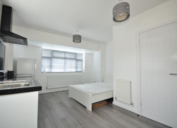 Studio to rent in Foresters Close, Wallington SM6