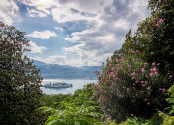 Thumbnail 17 bed town house for sale in Via Sacromonte, 26, 28016 Orta San Giulio No, Italy