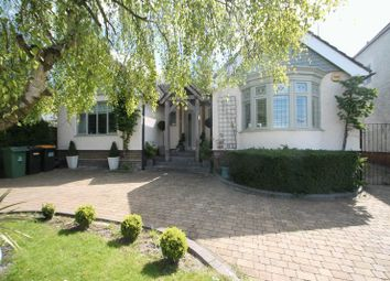 Thumbnail 3 bed detached house for sale in Tring Road, West Dunstable, Bedfordshire