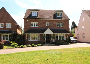 Thumbnail 5 bed detached house for sale in Loxfield Close, East Grinstead