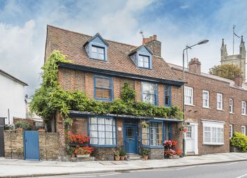 4 bed end terrace house to rent in Thames Street, Hampton TW12