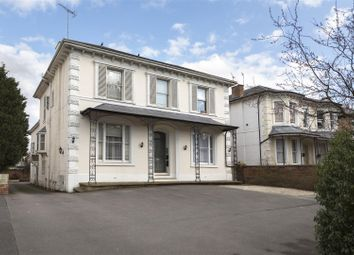 Thumbnail 3 bed town house for sale in Kenilworth Road, Leamington Spa