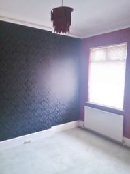 Thumbnail 4 bed terraced house to rent in The Avenue, Chingford