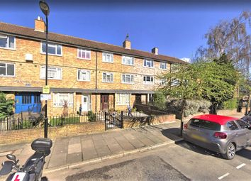 Thumbnail 2 bed flat to rent in Dynevor Road, London