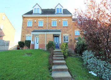 3 bed town house to rent in Wilson Grove, Lundwood, Barnsley S71