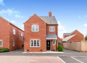 Thumbnail 3 bed detached house for sale in Siddington Drive, Aylesbury