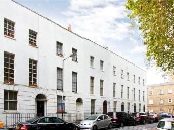 Thumbnail 2 bed flat to rent in Sidney Street, Whitechapel