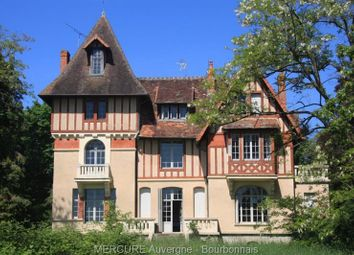 Thumbnail 10 bed villa for sale in Huriel, Auvergne, 03380, France