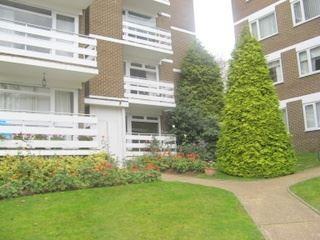 Thumbnail 2 bed flat to rent in Mountcombe Close, Surbiton