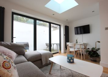 Thumbnail 2 bed town house to rent in Beaconsfield Road, Seven Sisters