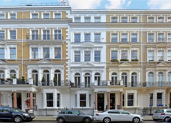 Thumbnail 1 bed flat for sale in De Vere Gardens, London