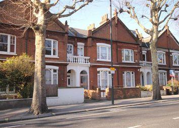 Thumbnail 1 bed flat to rent in Wandsworth Bridge Road, London