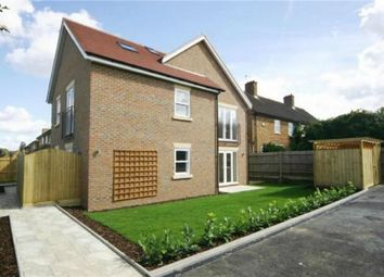 Thumbnail 2 bed flat to rent in New Road, Radlett, Hertfordshire
