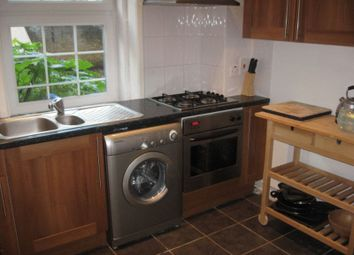 Thumbnail 4 bed shared accommodation to rent in Saltwell Street, London