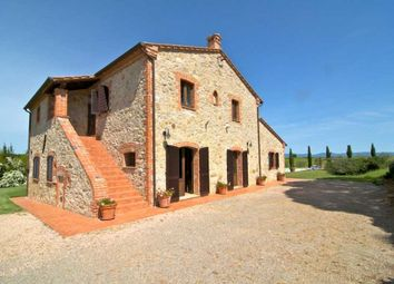 Thumbnail 4 bed farmhouse for sale in Castiglione Del Lago, Castiglione Del Lago, Perugia, Umbria, Italy