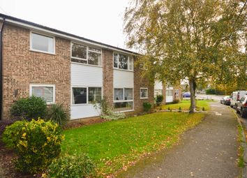 Thumbnail 2 bed maisonette to rent in Cromwell Avenue, Thame, Oxfordshire