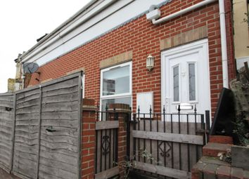 Thumbnail 1 bed flat to rent in Millbrook Road West, Southampton