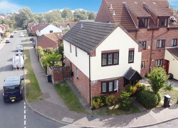 Pennyroyal Crescent, Witham CM8. 4 bed link-detached house
