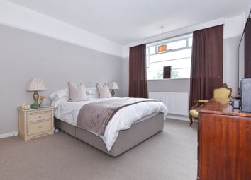 Thumbnail 2 bedroom flat for sale in Sheen Road, Richmond