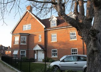 Thumbnail 2 bed flat to rent in Phoenix Court, Thame