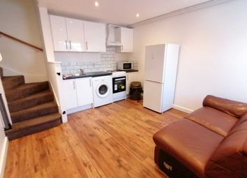 Thumbnail 3 bed duplex to rent in Westbrook Road, Reading