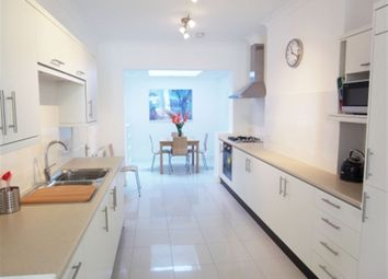 Thumbnail 2 bed flat to rent in Grove Road, Windsor, Berkshire