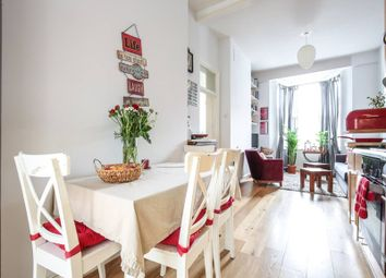 2 bed flat to rent in Tollington Way, London N7