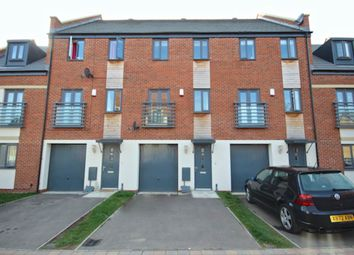 Thumbnail 3 bedroom town house to rent in Bayleaf Ave, Hampton Vale, Peterborough