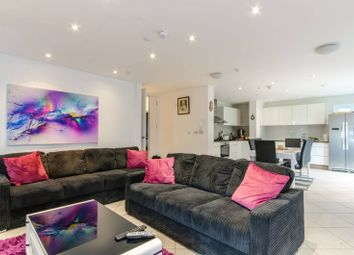 Thumbnail 5 bed flat to rent in Fairholme Gardens, Finchley