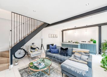 Thumbnail 2 bed duplex to rent in Fonthill Mews, London