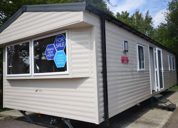 Thumbnail 2 bedroom mobile/park home for sale in Carlton Meres Holiday Park, Carlton, Saxmundham, Suffolk