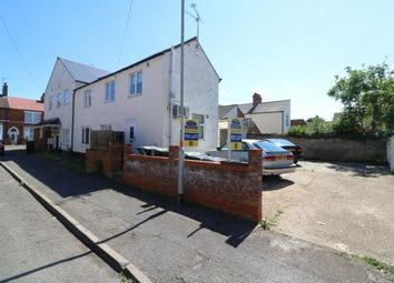 Thumbnail 1 bed flat to rent in York Road, Rushden