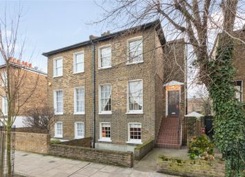 3 bed property for sale in Buckingham Road, Islington, London N1
