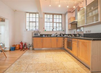 2 bed maisonette to rent in Ability View, Kingsland Road, Haggerston, London E2