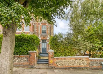 Crouch Hall Road, London N8. 4 bed flat