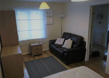 Thumbnail Room to rent in Blackburn Way, Hounslow, Greater London