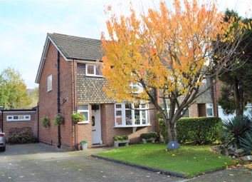 5 bed property for sale in Chart Close, Bromley BR2