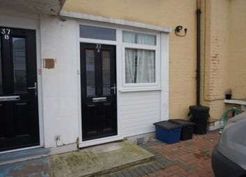 Thumbnail 2 bedroom flat to rent in The Drive, Cranbrook, Ilford