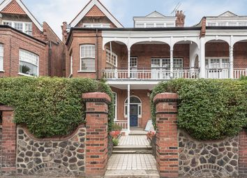 Thumbnail 3 bed flat to rent in Queens Avenue, Muswell Hill, London